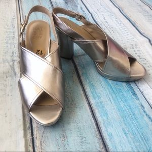 Naturalizer Addy Shoes Heels Gold Leather